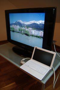 An den Samsung LE 32 B 450 lassen sich per VGA oder HDMI auch PCs oder Notebooks anschließen.