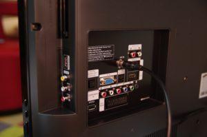 Der Samsung LE 32 B 450 gibt sich in vielerlei Hinsicht anschlussfreudig.