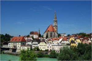 Die historische Stadt Steyr lädt Besucher ein