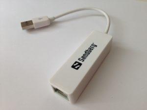 Mit einem USB-Netzwerkadapter kommt man mit dem MacBook alternativ zum WLAN ins Internet
