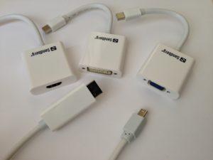 Adapter für die Mini-Displayport- und Thunderbolt-Schnittstelle ermöglichen den Anschluss eines externen Monitors an ein MacBook ohne HDMI-Buchse