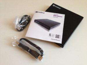 Der Sandberg USB Mini DVD Burner (Artikelnr.: 133-66)